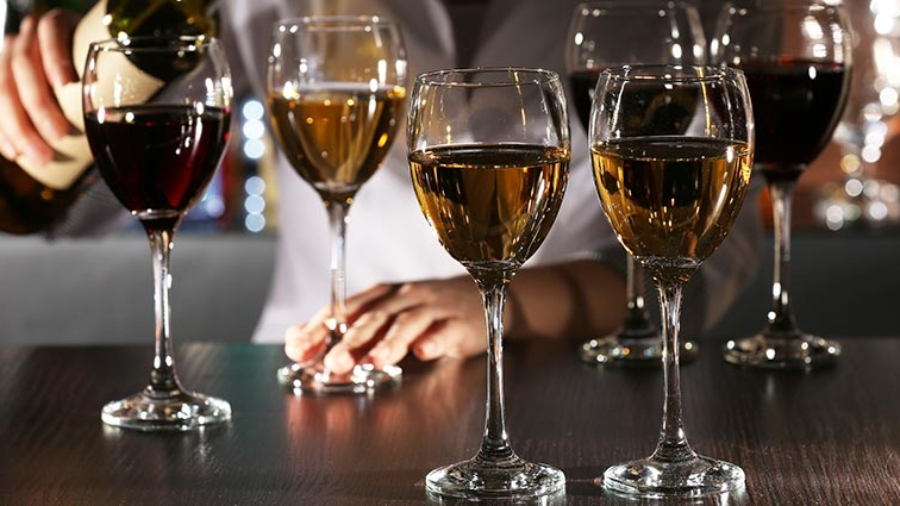 glass-vs-crystal-wine-glasses